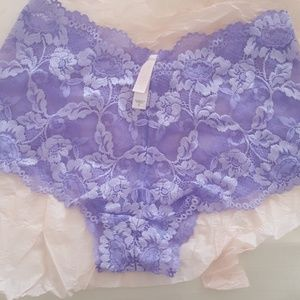NWOT Victoria Secret lace hipsters